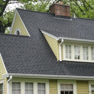 Milwaukee asphalt roofing contractors