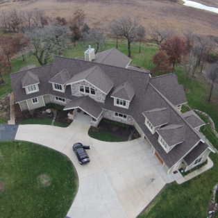 Asphalt roofing on Wisconsin house