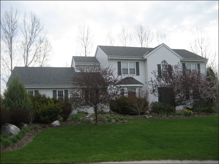 Colonial Slate Certaineed roofing shingles with white trim