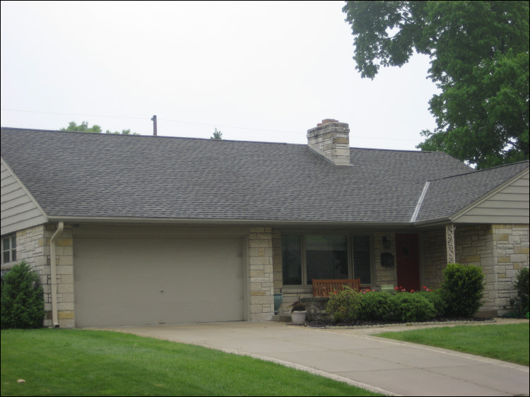 Waukesha Roofing Installation - Weatheredwood shingles
