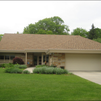 Waukesha Roofing Installaiton of Landmark 30yr Resawn Shake color