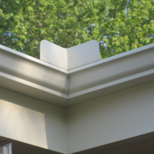 Fascia, soffit & trim replacement company for Milwaukee
